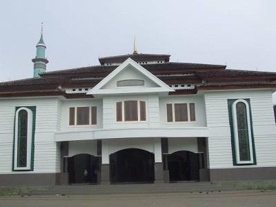 Lintas Ziarah dan bertawassul di Makam KH Abdul Manan Dipomenggolo Pacitan