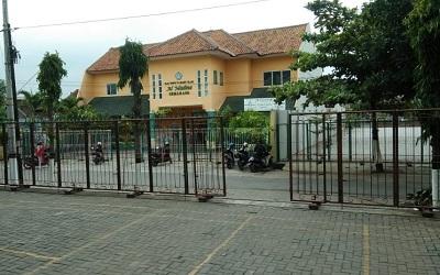 TK_Al_Madina_Semarang.jpg